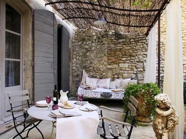 Polsterauflagen Gartenmobel Nach Mab : Aer de vacanta amenajeaza ti balconul sau terasa in stil mediteranean